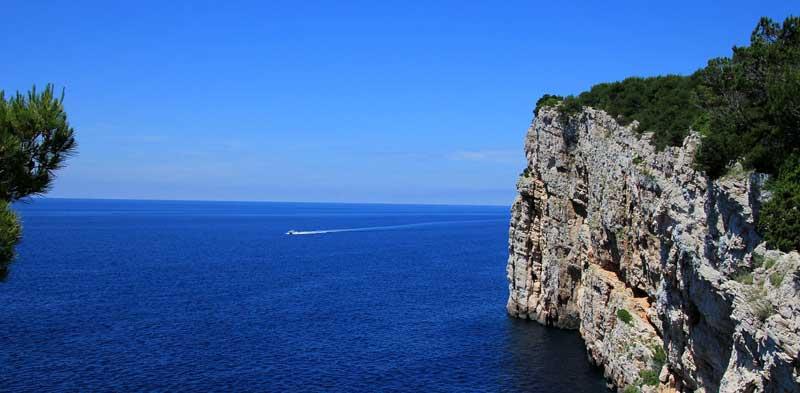Kornaten Kroatien Steilküste Karstgestein